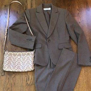 Tahari Suit Taupe/Tan color